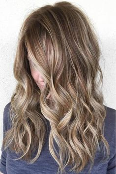 Sandy Brown Hair with Blonde Highlights