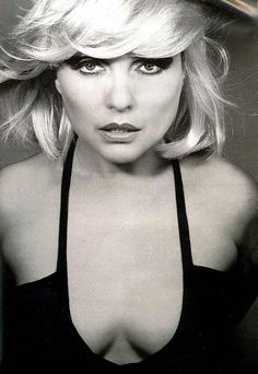 """Deborah Ann """"Debbie"""" Harry (born July is an American singer-songwriter and actress best known for being the lead singer of the punk rock and New Wave band Blondie. Blondie Debbie Harry, The Bangles, Rock Chick, Filles Punk Rock, Beautiful People, Beautiful Women, Sexy Women, Jennifer Love Hewitt, The Victim"""