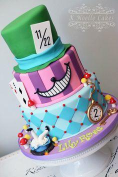 Alice im Wunderland-Kuchen von K Noelle Cakes - New Ideas - New Ideas Alice In Wonderland Decorations, Alice In Wonderland Cakes, Alice In Wonderland Wedding, Alice And Wonderland Quotes, Mini Tortillas, 1st Birthday Party For Girls, Birthday Ideas, Birthday Recipes, Bolo Da Minnie Mouse