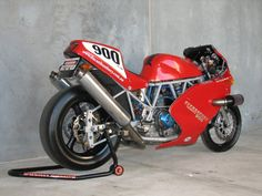 repair manual 1997 ducati View of the Japanese bike makers have spent the late and pushed the envelope in terms of strength a. Ducati 888, Moto Ducati, Ducati Cafe Racer, Ducati Motorcycles, Cafe Racer Motorcycle, Motorcycle Design, Vintage Motorcycles, Cafe Racers, Yamaha