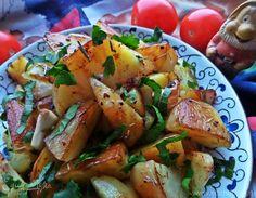 Запечённую картошечку знают, любят и готовят многие. Данный рецепт отличается обилием чеснока (это я люблю!) и запекается под бальзамическим уксусом. В итоге получается ароматно, пряно и неизмен...