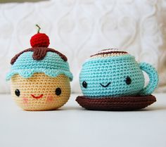 find a way to crochet this - Amigurumi Mr. Coffee and Miss Cupcake