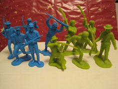 MARX FORT APACHE COMANCHE PASS PLAYSET 5 CAVALRY 5 PIONEER PLASTIC TOY SOLDIERS #MARX