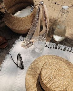 Today I'm Wearing – Olsen Twins Inspired, Beach Aesthetic, Summer Aesthetic, Aesthetic Black, Aesthetic Vintage, Summer Feeling, Summer Vibes, Wallpapers Whatsapp, Kelsey Rose, Fall Inspiration