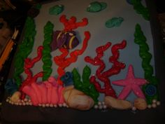 Front of fish tank cake