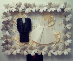 Origami frame with the theme: couple!  This was to adorn a wedding party!  www.meirehirata.com meirehirata@hotmail.com Facebook: meirehirata/origami Instagram: Meire Hirata