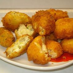 Extra rántott sajt Receptek a Mindmegette. Hungarian Recipes, Italian Recipes, Main Dishes, Side Dishes, Cheese Fries, Fried Cheese, Tasty, Yummy Food, Chicken Nuggets