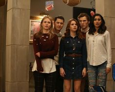 Who will wind up together on the 'Faking It' Series Finale?