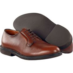 Alden Men's Plain Toe Blucher Welterweight Style #: 946 Brown | Welterweight blucher oxford. The famous Welterweight Walker is lightweight yet durable, full glove leather lined flexible pure vegetable tanned leather insoles. | #TSMSpecialEdition #TheShoeMart