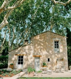 Loveliest French Farmhouse in Provence, France! - Hello Lovely - Loveliest French Farmhouse in Provence, France! – Hello Lovely Loveliest French Farmhouse in Pr - French Farmhouse Decor, French Country Living Room, French Country Cottage, French Countryside, French Country Style, French Country Decorating, Provence Style, Provence France, Provence Garden