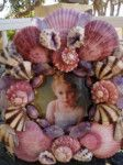 Seashell Frame, Shell Art, Shell Crafts, Coastal Living, Accent Pieces, Sea Shells, Picture Frames, Floral Wreath, Shell Mirrors
