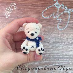 Wall Crochet Teddy, Crochet Bear, Cute Crochet, Crochet For Kids, Crochet Animals, Crochet Crafts, Crochet Dolls, Crochet Projects, Crochet Amigurumi Free Patterns