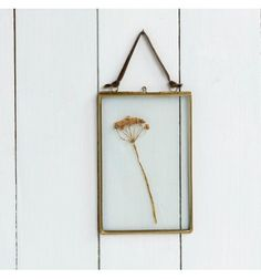 Are you interested in our brass copper frame? With our brass copper picture frame you need look no further. Empty Picture Frames, Handmade Picture Frames, Glass Photo Frames, Jaipur, Scandi Home, Boutique Deco, Hanging Frames, Nordic Interior, Interior Design