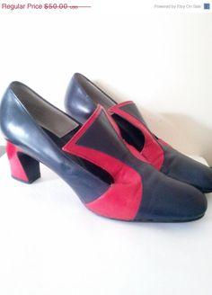 ON SALE Vintage Sailorette Retro Pumps / Women's US Size  7- 7 1/2/ Rockabilly Shoes / Slide on Vintage Nautical Pumps