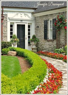 Creating Curb Appeal on a Budget ~ Jennifer Decorates.com