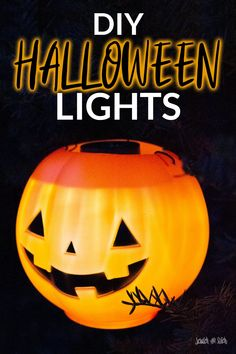 DIY Outdoor Halloween Lights Halloween Activities For Kids, Halloween Projects, Halloween Pumpkins, Halloween Diy, Halloween Quotes, Halloween 2020, Happy Halloween, Halloween Wreaths, Halloween Witches