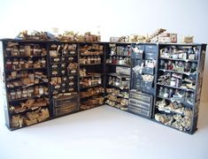 What a piece! looking glass miniatures Harry Potter Dolls, Harry Potter Miniatures, Theme Harry Potter, Haunted Dollhouse, Dollhouse Miniatures, Dolls House Shop, Minis, Miniature Furniture, Miniture Things