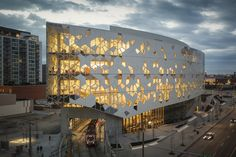Snøhetta and Dialog's New Central Library for Calgary features vast wood-lined atrium Pattern Architecture, Facade Architecture, Amazing Architecture, Public Library Architecture, Foster Architecture, Public Library Design, Futuristic Architecture, Atrium, Calgary News