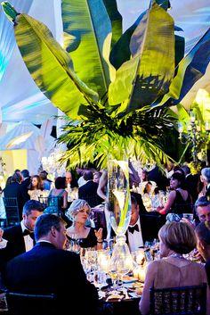 Go big or go home! Live this idea for a beach wedding!