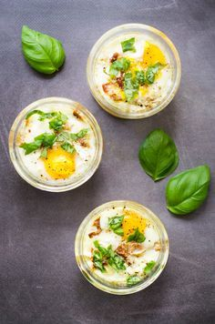 Eggs casserole with goat cheese and dried tomatoes, honey and basil easy and quick recipe on Godiche www. Easy Healthy Recipes, Veggie Recipes, Vegetarian Recipes, Easy Meals, Soup Recipes, Easter Dishes, Salty Foods, Weird Food, Aesthetic Food