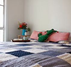 Pinch Me Beautiful: The Handmade Series // How To Knit A Blanket With Greta's Handcraft...