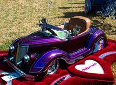 Neat little kiddie car