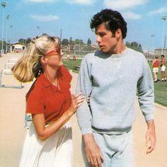Olivia Newton-John &John Travolta in Grease 1978 Danny Zuko, Grease 1978, Grease Movie, Movie Tv, Grease 2, Movie Scene, Olivia Newton John, Film Aesthetic, Aesthetic Vintage