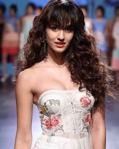 Bollywood Actress Disha Patani Hot Photoshoot at Lakme Fashion Week Indian Celebrities, Bollywood Celebrities, Bollywood Actress, Indore, Indian Bollywood, Bollywood Fashion, Bollywood Girls, Bollywood Saree, Lakme Fashion Week 2017