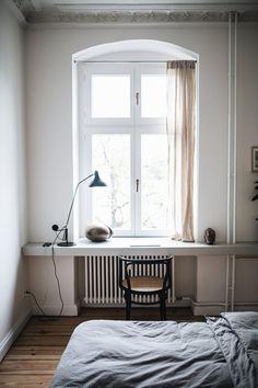 The apartment of Selina Lauck, contemporary apartment design, cozy minimalist interior design, scandinavian interior design Flat Interior, Minimalist Interior, Decoration Inspiration, Interior Inspiration, Home Bedroom, Bedroom Decor, Bedrooms, Design Scandinavian, Cheap Home Decor