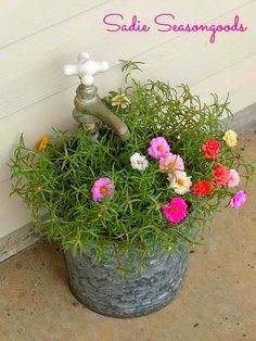 DIY Lovely & Creative ! Easy Vintage Faucet Planter!