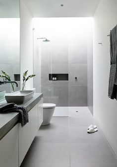 Luxury Bathroom Ideas is no question important for your home. Whether you choose the Small Bathroom Decorating Ideas or Luxury Bathroom Master Baths Rustic, you will create the best Luxury Bathroom Master Baths Walk In Shower for your own life. Bathroom Goals, Bathroom Layout, Basement Bathroom, Wet Room Bathroom, Bathroom Colours, Bathroom Storage, Bathroom Tile Designs, Bathroom Design Luxury, Bathroom Ideas