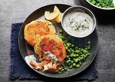 Image: Salmon and cauliflower fishcakes with dill yoghurt dip and smashed peas Pea Recipes, Green Bean Recipes, Salmon Recipes, Cooking Recipes, Healthy Recipes, Seafood Recipes, Healthy Yogurt, Healthy Eating, Healthy Food
