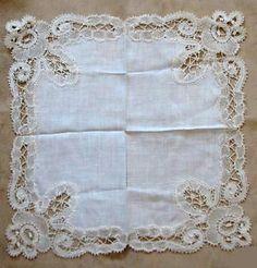 Encajes Antiguos: Pañuelo Nº1