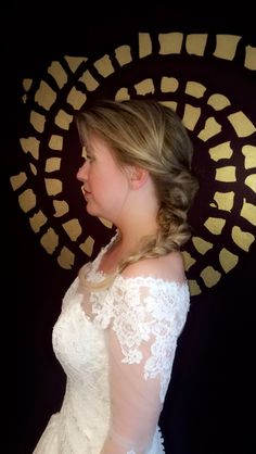 Braid bride Lace Wedding, Wedding Dresses, Braids, Stylists, Fashion, Bride Dresses, Bang Braids, Moda, Bridal Gowns