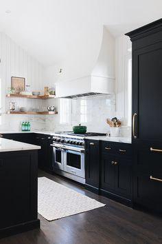 Designer Farmhouse Kitchen Renovation