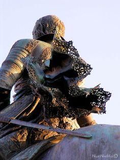 Monumento a Felipe IV en la plaza de Oriente de Madrid.