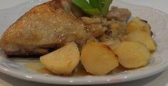 Kurczak pieczony z ziemniakami  i kwaśną kapustą