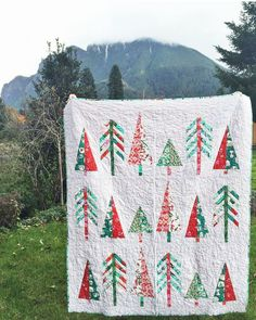 """Lindsey Neill on Instagram: """"Never posted a finished pic of my Tinsel #pinetopquilt! It's currently up in WA with /whimsyquilts/ for Urban Craft Uprising where she'll be selling kits and the pattern for it! - - If anyone is interested in buying the PDF pattern, it is in my shop ¦ Link in profile ¦ I have decided to retire the pattern as of Jan 1st. So if you really want it, grab it soon  #cottonandsteel #penandpaperpatterns"""""""
