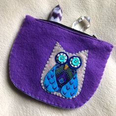 Excited to share this item from my #etsy shop: owl purse, owl pouch, small coin purse, coin purse, felt wallet, card wallet Felt Wallet, Card Wallet, Owl Purse, Small Coin Purse, Felt Owls, Beautiful Owl, Green And Gold, Sewing Projects, Etsy Shop