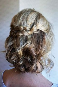 Short hair can be fun too! Bridesmaid hair from to. Short hair can be fun too! Bridesmaid hair from today& wedding 💜 Prom Hairstyles For Short Hair, Short Hair Updo, Short Wedding Hair, Wedding Hair And Makeup, Bride Hairstyles, Easy Hairstyles, Updo Curly, Trendy Wedding, Short Braids