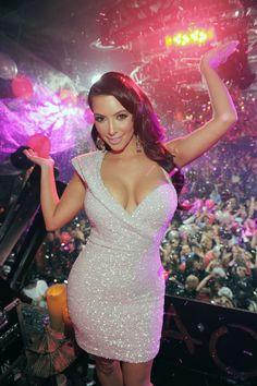 Kim Kardashian [74] - Ipercaforum