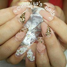 #coffinnails #ballerinanails #flowers #goldnails #24k  #cinthyasnails #ombrenails #badassnails #cutenails #jeffreestar #riri #dope #dopenails #fallnails #glitter #glitternails #fab #fabnails  #nailsonfleek #dopenails #nailsonpoint #bestnails