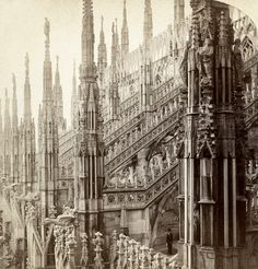 Milan Cathedral as you have never seen before. Stereoscopic pictures become gif. #milan #italy #old #photos