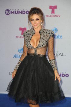 Anoche se llevó a cabo la velada de Premios Tu Mundo en Miami y Aracely Arámbula…