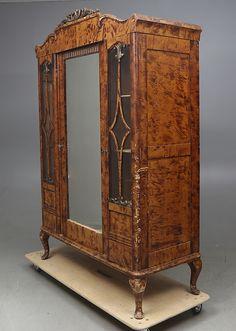 Bilder för 354768. KLÄDSKÅP, 1920-tal. – Auctionet