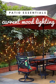 Glowing string lights add charm and romance to al fresco outdoor dining. Outdoor Ottomans, Outdoor Dining, Outdoor Spaces, Outdoor Decor, Porches, Home Design, Patio Umbrellas, Outdoor Projects, Garden Projects