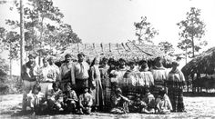 Deaconess Bedell with an extended Miccosukee family