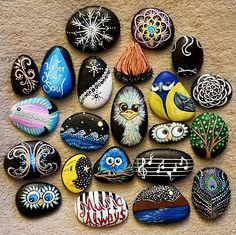 by Alexis Davis Dot Art Painting, Pebble Painting, Pebble Art, Stone Painting, Rock Painting Ideas Easy, Rock Painting Designs, Mandala Painted Rocks, Painted Stones, Pintura Exterior