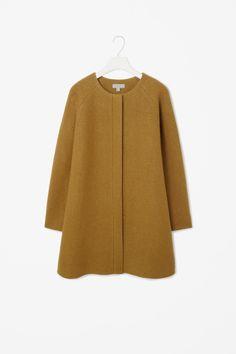 COS image 18 of A-line wool coat in Mustard Yellow Hijab Fashion, Boho Fashion, Winter Fashion, Fashion Outfits, Womens Fashion, Hijab Stile, Yellow Coat, Winter Jackets Women, Couture