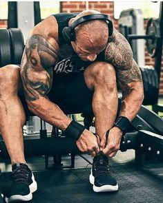 The Rock Dwayne Johnson, Dwayne The Rock, Dwanye Johnson, The Rock Workout, Romantic Quotes For Girlfriend, Transformation Body, Good Looking Men, Gym Motivation, Gym Workouts
